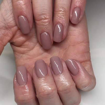 Carly at Lunula Nail and Beauty created this taupe look